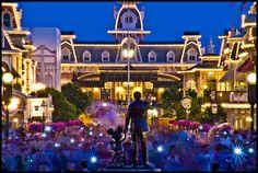 Magic Kingdom -- Walt and Mickey statue on Main Street