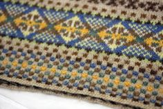Combining purls in with the knits in Fair Isle knitting is awesome!!