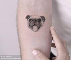 A platform shared by tattoo designs. Small Dog Tattoos, Mini Tattoos, Body Art Tattoos, Dog Portrait Tattoo, Tattoo Font For Men, Pug Tattoo, Single Needle Tattoo, Memorial Tattoos, Animal Tattoos