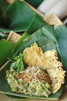Pecel : A Kind of Indonesian Vegetables Salad with Peanut Sauce and Rempaya (Peanut Cracker)
