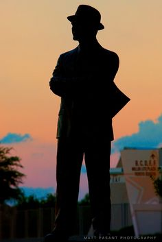Tom Landry - The Man in the Hat