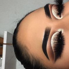 """e y e b r o w s: dipbrow pomade """"granite"""" e y e s h a d o w s: x Eyeshadow palette """"pukey"""" """"mocha"""" """"Central Park"""" """"abyss"""" """"beam"""" & """"queen"""" Dope Makeup, Makeup Eye Looks, Eye Makeup Tips, Prom Makeup, Eyeshadow Looks, Makeup Goals, Makeup Inspo, Eyeshadow Makeup, Makeup Inspiration"""