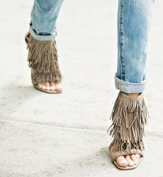 FASHION FIX: Fringe! REPIN if you'd love to put a little fringe in your step!