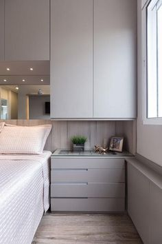 Apartamento Sob Medida Ambientta Arquitetura is part of Apartment bedroom design - Fitted Bedroom Furniture, Fitted Bedrooms, Small Bedroom Storage, Small Master Bedroom, Small Bedroom With Wardrobe, Wardrobe Design Bedroom, Bedroom Bed Design, Rustic Bedroom Design, Bedroom Apartment