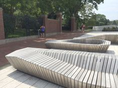 Digital fabrication was used to create these beautiful bench.- Digital fabrication was used to create these beautiful benches at Harvard university. Urban Furniture, City Furniture, Street Furniture, Garden Furniture, Urban Landscape, Landscape Design, Landscape Architecture Drawing, Landscape Architects, Architecture Plan