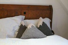 Ravelry: Mountain Pillows pattern by Carmen Jorissen