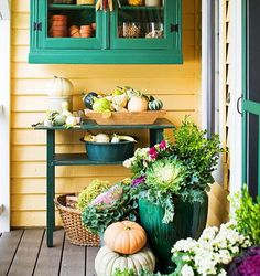 Front Porch Decorating Ideas For Fall_03 :: cabbages and gourds