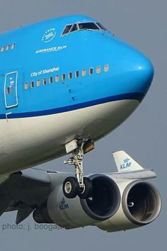 Boeing 747 400, Boeing Aircraft, Passenger Aircraft, 747 Jumbo Jet, Airplane Wallpaper, Plane Photos, Airplane Flying, Airplane Photography, Commercial Aircraft