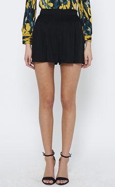 Vena Cava Black Shorts | VAUNTE