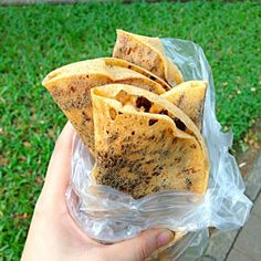 Traditional Indonesian Streed Food! Its like crepes with chocolate and cheese. Its so good i ate like 6 of em - 9件のもぐもぐ - Leker by Jane