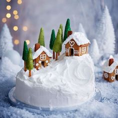 This alpine village inspired Christmas cake recipe uses a really simple trick to create the little mountain. The chalets are made from our gingerbread recipe. Christmas Cake Designs, Christmas Cake Decorations, Christmas Sweets, Holiday Cakes, Christmas Gingerbread, Christmas Cooking, Noel Christmas, Christmas Cakes, Christmas Themed Cake
