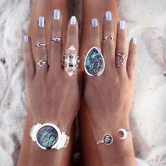 Boho bohemian jewelry rings and bracelet. Boho Rings, Jewelry Rings, Silver Jewelry, Jewelry Accessories, Fashion Accessories, Fashion Jewelry, Jewelry Design, Silver Ring, Jewelry Holder