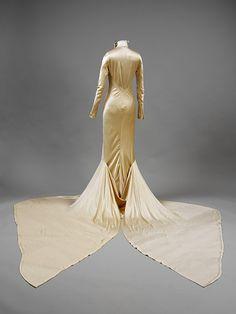 Wedding dress  England (made)     1934 (designed)        Charles James