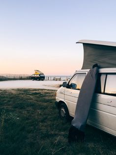 Van life : un van trip en France - FAQ - Trendy Mood - Magazine Lifestyle Trendy Mood, Destinations, Outdoor Camping, Van Life, Magazine, Road Trip, Wanderlust, Vans, Adventure