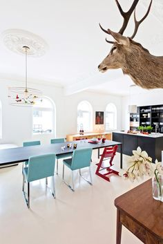 From norwegian interior magazine Bonytt Photo: Niklas Hart Interiors Magazine, Kitchen Interior, Bespoke, Kitchens, Interior Design, Modern, Design Interiors, Home Interior Design, Kitchen