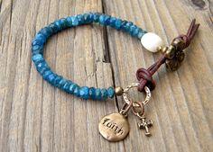 BIG SALE Rustic Beaded bracelet Faceted Apatite por DeetabyDesign