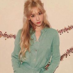 Taeyeon so pretty Snsd, Sooyoung, Yoona, Girls Generation, Kpop Girl Groups, Korean Girl Groups, Kpop Girls, Taeyeon Fashion, Blonde Asian