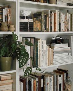 Room Ideas Bedroom, Bedroom Decor, Study Room Decor, Bedroom Inspo, Aesthetic Room Decor, Aesthetic Light, Aesthetic Grunge, Dream Rooms, My New Room