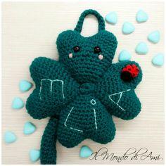 Quadrifoglio amigurumi portafortuna da culla/cameretta #amigurumi #goodluck #quadrifoglio #fourleafclover #crochet #uncinetto #fattoamano #handmade #filato #baby #bimbi #instacrochet