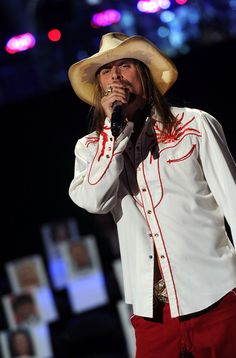 Kid Rock Photos Photos - Musician Kid Rock performs during rehearsals for the 2011 CMT Awards at Bridgestone Arena on June 8, 2011 in Nashville, Tennessee. - 2011 CMT Music Awards - Rehearsals - Day 2