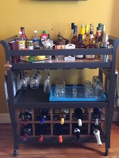 DIY Table Makeover – Changing Table Upcycled to a Bar Cart. DIY Table Makeover – Wickeltisch Upcycled to a Bar Cart. Diy Bar Cart, Gold Bar Cart, Bar Cart Styling, Bar Cart Decor, Bar Carts, Old Cribs, Baby Changing Table, Wine Glass Holder, Patio Bar