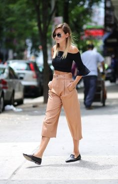 pointed loafers with chic top and culottes