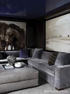 love that horse mural !