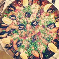 Recipe: Tapas y Paella Tapas Party, Seafood Paella, Spanish Dishes, Chowders, Delicious Food, Casseroles, Soups, Spain, Lunch
