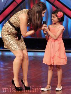Spotted: Kareena Kapoor Shaking a Leg on 'Dance Ke Superkids' Bollywood Outfits, Bollywood Girls, Bollywood Saree, Bollywood Celebrities, Bollywood Fashion, Kareena Kapoor Bikini, Deepika Padukone Hot, Kareena Kapoor Khan, Indian Bollywood Actress