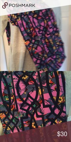 LuLaRoe Grapes TC leggings BNWT LuLaRoe tall and curvy leggings. Grapes are lilac. Colors purple, orange, yellow, black, green, red, No Trades. Please use offer button to make an offer. LuLaRoe Pants Leggings