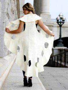 Fashion Art 2015 — J Hill Felt - Exercises Look Fashion, Diy Fashion, Ideias Fashion, Fashion Dresses, Fashion Design, Fashion 2015, Diy Clothing, Clothing Patterns, Dress Patterns