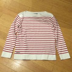 Lauren Ralph Lauren red and white striped top Size small. Red and white horizontal stripes. Thick and cozy top. Worn once. 100% cotton and in great condition! Feel free to ask me any questions Ralph Lauren Tops