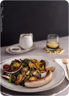 Röstkartoffelsalat mit Flower Sprouts und Radicchio Food Porn, Bruschetta, Baked Potato, Sprouts, Spicy, Salads, Veggies, Food And Drink, Potatoes