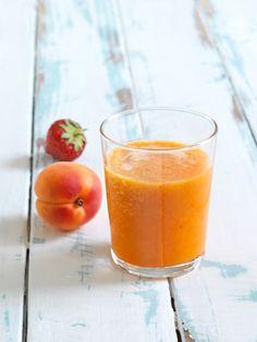 Oranger Früchte-Smoothie I © GUSTO / Ulrike Köb I www.gusto.at