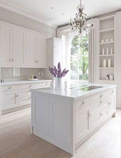 Best Off White kitchen Cabinets Design Ideas (32)