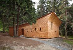 Gion A. Caminada - Forest house, Domat 2013. Via, photos (C) Ralph Feiner.
