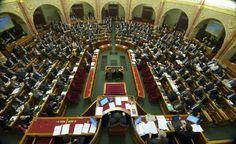 Az új adószabályokról kezdenek vitát a képviselők