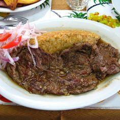 Tacu Tacu con bisteck en el Queirolo, Lima.