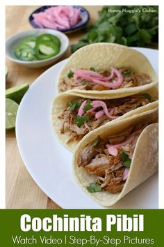 Cochinita Pibil tacos are to die for. Incredibly tender meat topped with chopped cilantro and cebolla en escabeche (pickled red onions). Each bite is heavenly. Recipe with Video and step-by-step pictures. By Mama Maggie& Kitchen Meat Recipes, Mexican Food Recipes, Slow Cooker Recipes, Dinner Recipes, Ethnic Recipes, Mexican Dishes, Mexican Desserts, Cooking Recipes, Mexican Cooking