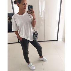 Sara Boruc-Mannei Sleek Hairstyles, Stan Smith, Celebrity Style, Sporty, Street Style, My Style, Celebrities, Lady, Boys