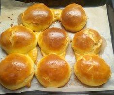 30 perc alatt elkészül a bögrés vajas zsömle 1 Hungarian Recipes, Pretzel Bites, Hamburger, Bread, Food, Facebook, Brot, Essen, Baking