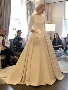 Best of New York Bridal Fashion Week - Romona Keveza Spring 2019 . - Best of New York Bridal Fashion Week – Romona Keveza Spring 2019 up ideas # - Lace Wedding Dress, Country Wedding Dresses, Modest Wedding Dresses, Bridal Dresses, Casual Wedding, Wedding Hijab, Wedding Dress Shopping, Wedding Makeup, Elegant Wedding