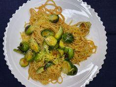 Ruusukaalipasta - Topi-Keittiöt Chili, Spaghetti, Pasta, Ethnic Recipes, Food, Chile, Chilis, Eten, Noodles