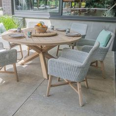 4 Seasons Outdoor Lisboa Tuinset Ø 130 cm Round Garden Table, Round Dining Table Sets, Round Table And Chairs, Rattan Dining Chairs, Blue Dining Room Chairs, Garden Table And Chairs, Wooden Garden Furniture, Outdoor Dining Furniture, Outdoor Dining Set