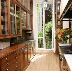 Perfect Galley Kitchen, modern meets cozy, Design Fascination