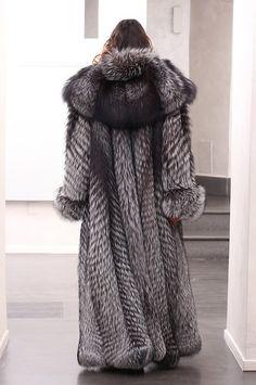 Silver Fox Coat with whole skins. Skins Quality: SAGA ROYAL FURS;