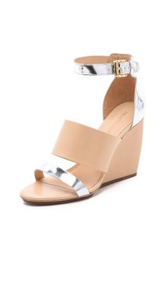 This could be my go to wedge all summer. Nude + metallic.