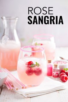 This rose sangria recipe is a twist on the classic Spanish sangria but uses rose wine, peaches and raspberries. This rose sangria recipe is a twist on the classic Spanish sangria but uses rose wine, peaches and raspberries. Rose Sangria, White Wine Sangria, Sangria Drink, Raspberry Sangria, Raspberry Punch, Summer White Sangria Recipe, Simple Sangria Recipe, Simple Cocktail Recipes, Best White Sangria Recipe