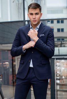 Pánsky oblek, ktorý by nemal chýbať v šatníka žiadneho chlapa 👆🏼 • Mens Suits, Formal, Fit, Collection, Style, Fashion, Dress Suits For Men, Preppy, Swag