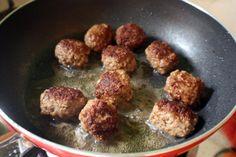 Chiftele de porc cu marar | Ghid Culinar BZI - Miercuri, 05 Decembrie 2012